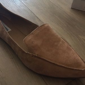 e263e99758a Steve Madden Shoes - Steve Madden feather camel suede loafers size 10